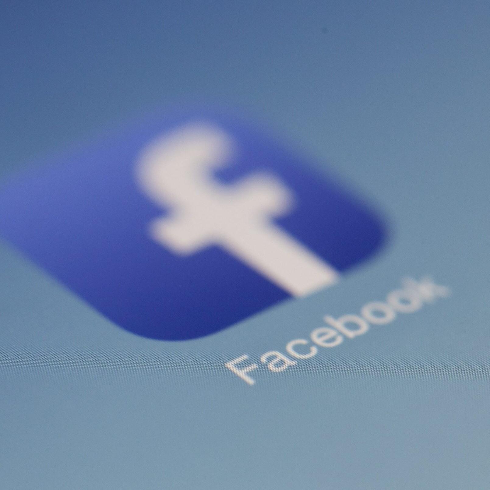 disastro etico facebook